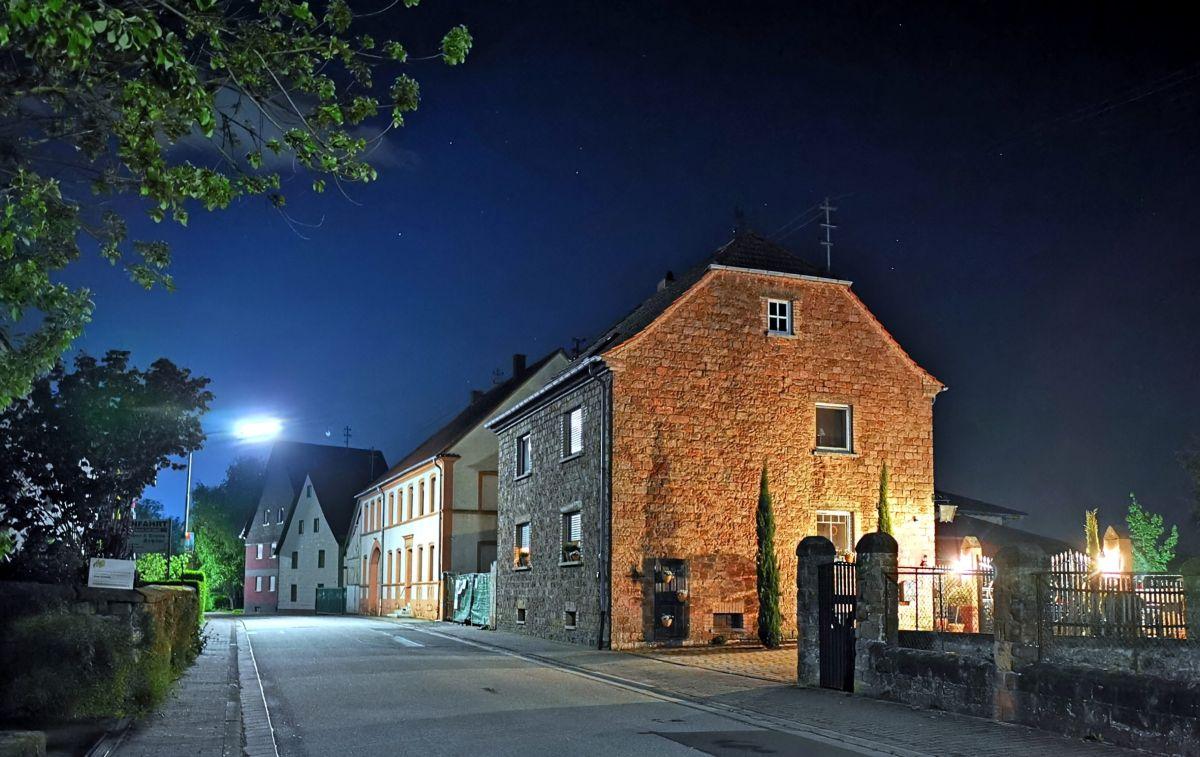 Der Ortsteil Katzenbach bei Nacht